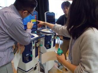 人工呼吸器体験ブース